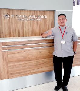 Tito Honda  Sales Executive - Dealer Mobil Toyota Dunia Barusa Banda Aceh dan seluruh wilayah yang ada di DIY.