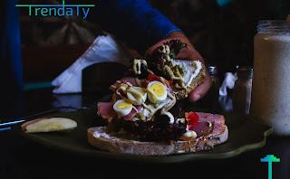افضل 10 وجبات صباحية صحية تُأكل على معدة فارغه، و6 وجبات عليك الابتعاد تجنبها في الصباح