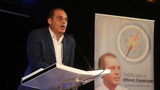 O Βελόπουλος που ξεπέρασε το 4%, πουλάει φάρμακο για την τριχόπτωση ενώ έχει φαλάκρα (Video)