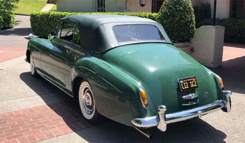 Mobil, Drops Rolls Royce Silver Cloud II, akan dijual di lelang di New York. Credit: Courtesy Guernsey