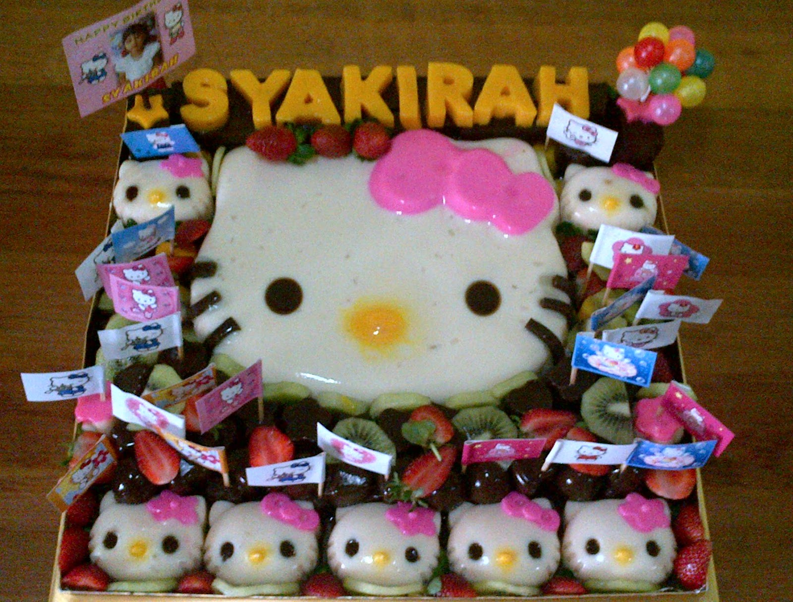Gitami Cakes Amp Workshop Puding Ulang Tahun Quot Hello Kitty