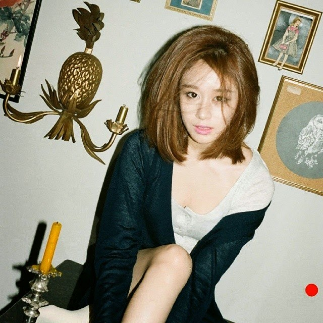 See more of T-ara Jiyeons concept photos for 1 Min 1 Sec