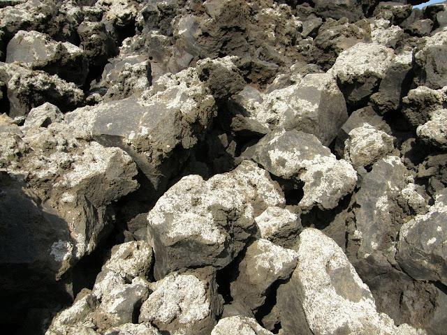 roca-volcanica-sustrato