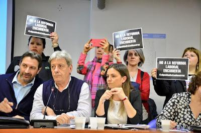 Equidad de Género: en reunión de comisión plenaria, los sindicatos rechazaron el proyecto del gobierno de Mauricio Macri.