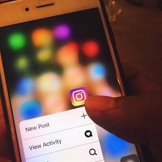 Hati-hati dengan Sosmed Wahai Muslimah, Seperti Facebook dan Instagram