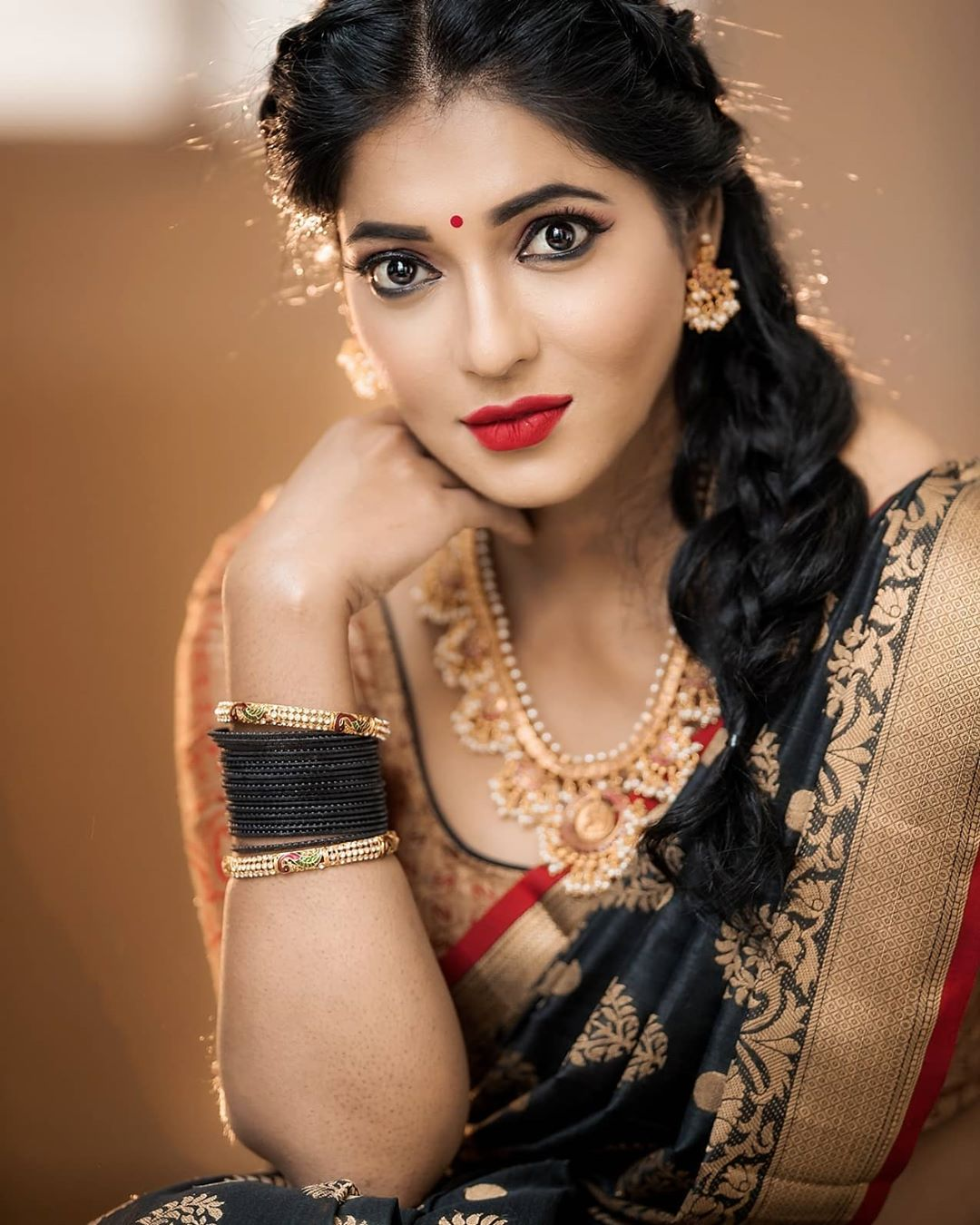 Reshma Pasupuleti Latest Saree Photos