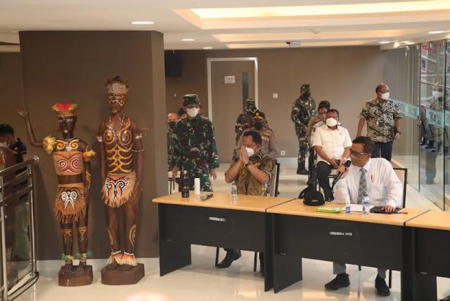 Mahfud MD Ajak Masyarakat Papua Dukung dan Sukseskan PON XX dan Peparnas XVI.lelemuku.com.jpg