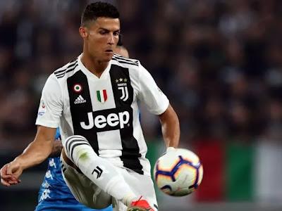 Cristiano Ronaldo wins Golden Foot award