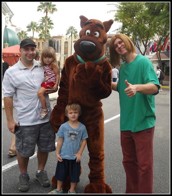 kids with Shaggy & Scoobie