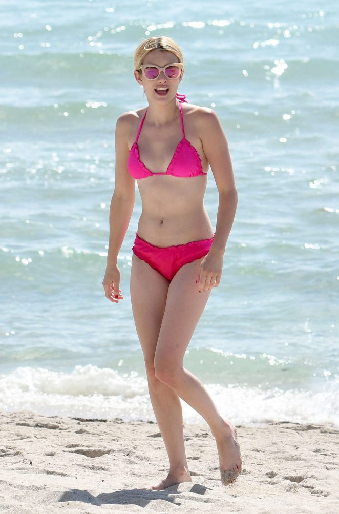 Emma Roberts flaunts flirty pink bikini on Miami beach