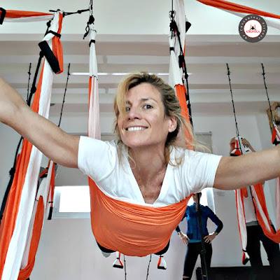 yoga aérien, formation yoga aérien, qu'est-ce que le yoga aérien, qu'est-ce que le pilates aérien, qu'est-ce que le aero yoga, qu'est-ce que le flying yoga