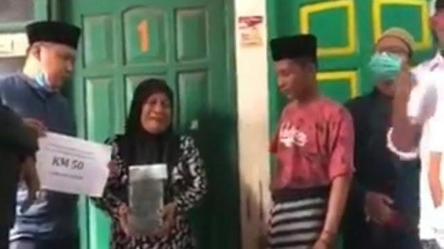 Terima Segepok Uang Santunan dari Netizen, Ibu Laskar FPI yang Tewas: Saya Butuh Keadilannya Saja