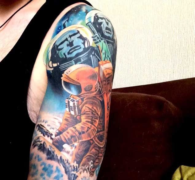 tatuaje de astronautas espaciales
