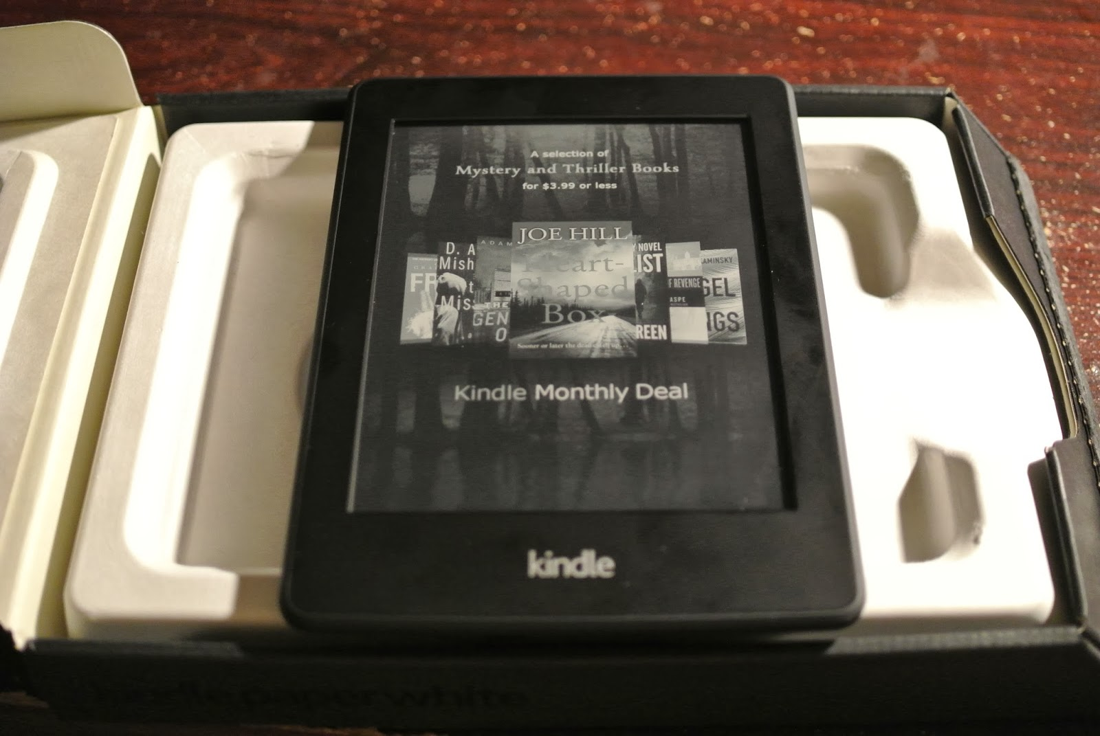 And Angus Was All Like / iAngus: Amazon Kindle Paperwhite Unboxing