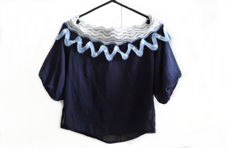 Off The Shoulder Zigzag Lace Insert Blouse - Purplish Blue