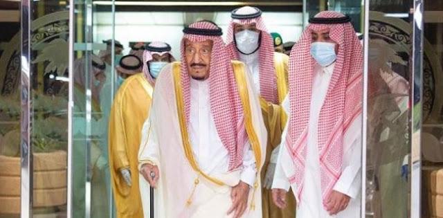 Didampingi Putra Mahkota, Raja Salman Keluar Dari Rumah Sakit