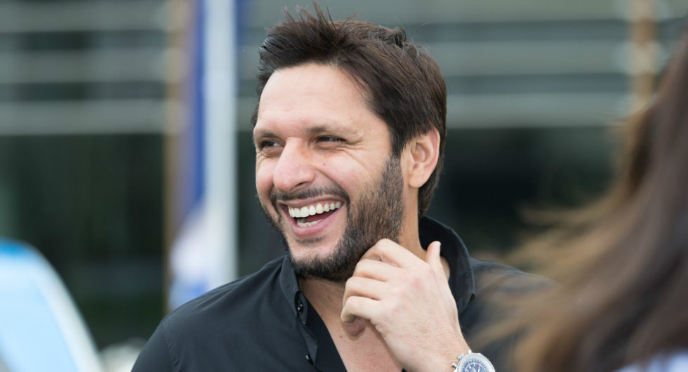 Shahid Afridi bought a bat for $20,000