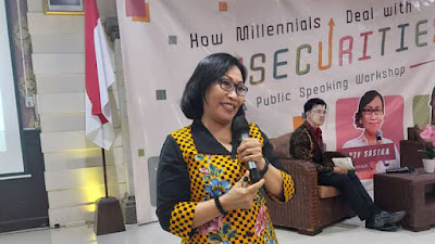 Santy Sastra, Narasumber Public Speaking Welcome Back to Campus 2021 IPB Internasional, How Millenials Deal With Insecurities