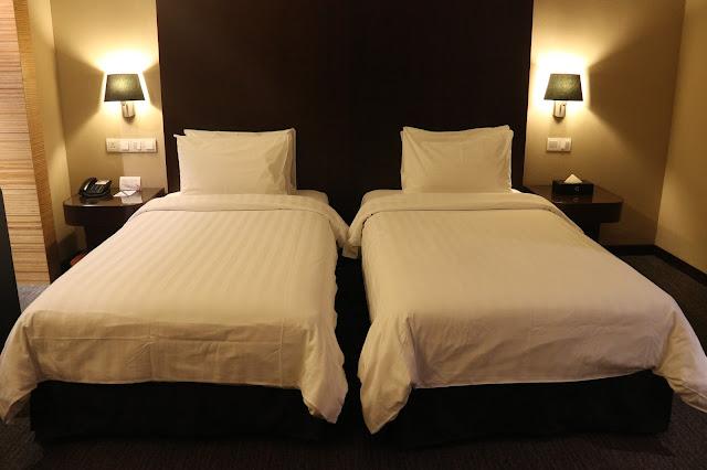 Tempat tidur selama di Hotel Grandis