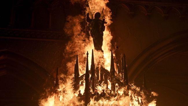 Sedih, 2 Buah Gereja di Chile Dibakar Demonstran