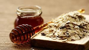 وصفة الشوفان والعسل لتقشير الوجه