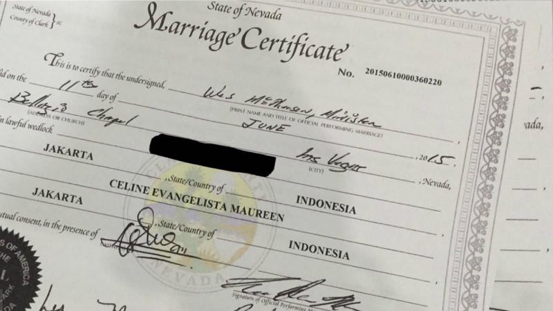 Sertifikat pernikahan sejenis Celine Evangelista dengan Bacil