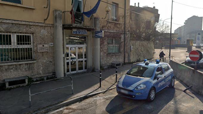 """Torino: blocca gli accessi al commissariato per protesta: """"Non posso più spacciare negli orari migliori"""""""