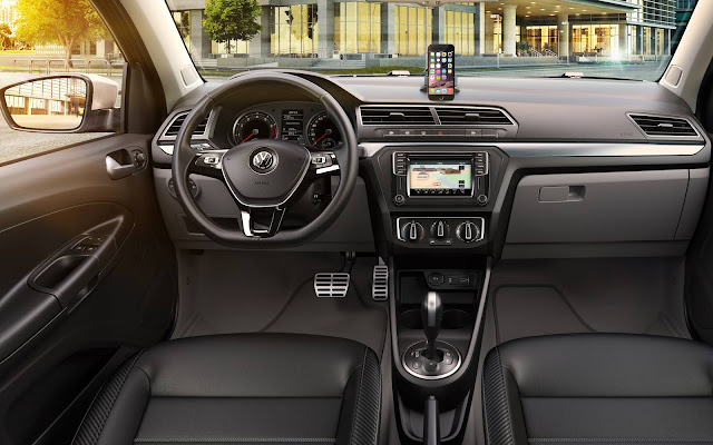 VW Voyage Highline 2017  - interior
