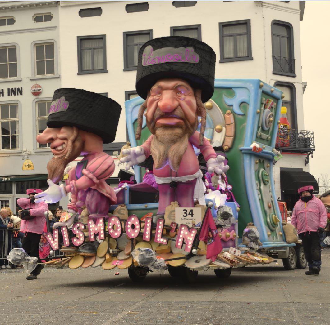 Carnaval Aalst foto- en videoblog: Maandagstoet moet even