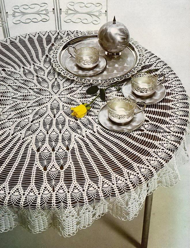 Crochet Tablecloth Pattern - Pineapple, Lace, Vintage Crochet