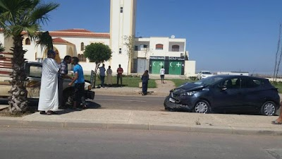 إصابة سائق سيارة خفيفة بجروح خفيفة بطريق الكارة