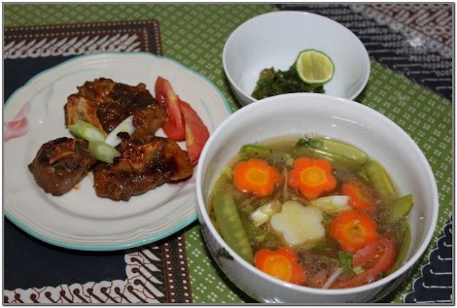 Sop Buntut Bakar Bu Henny;10 Top Kuliner Jombang;