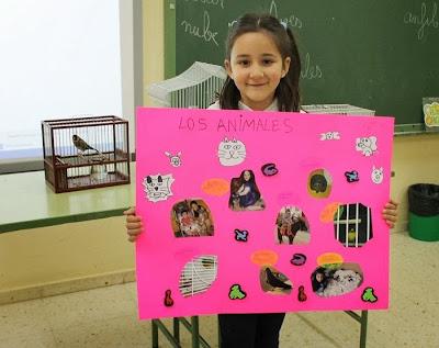 Maestra de primaria las mascotas de estela irene y marta for Mural una familia chicana