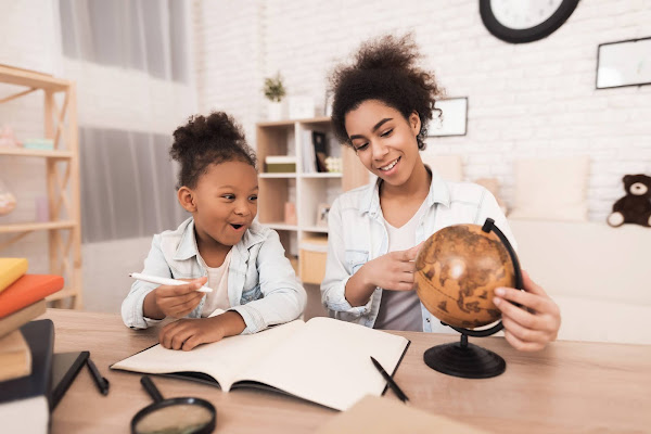 montessori homeschooling. Working with your child.
