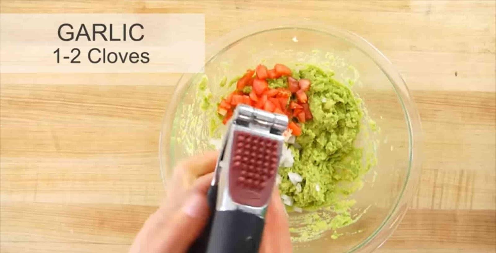 garlic-mashed-by-garlic-press-in-mashed-avocado