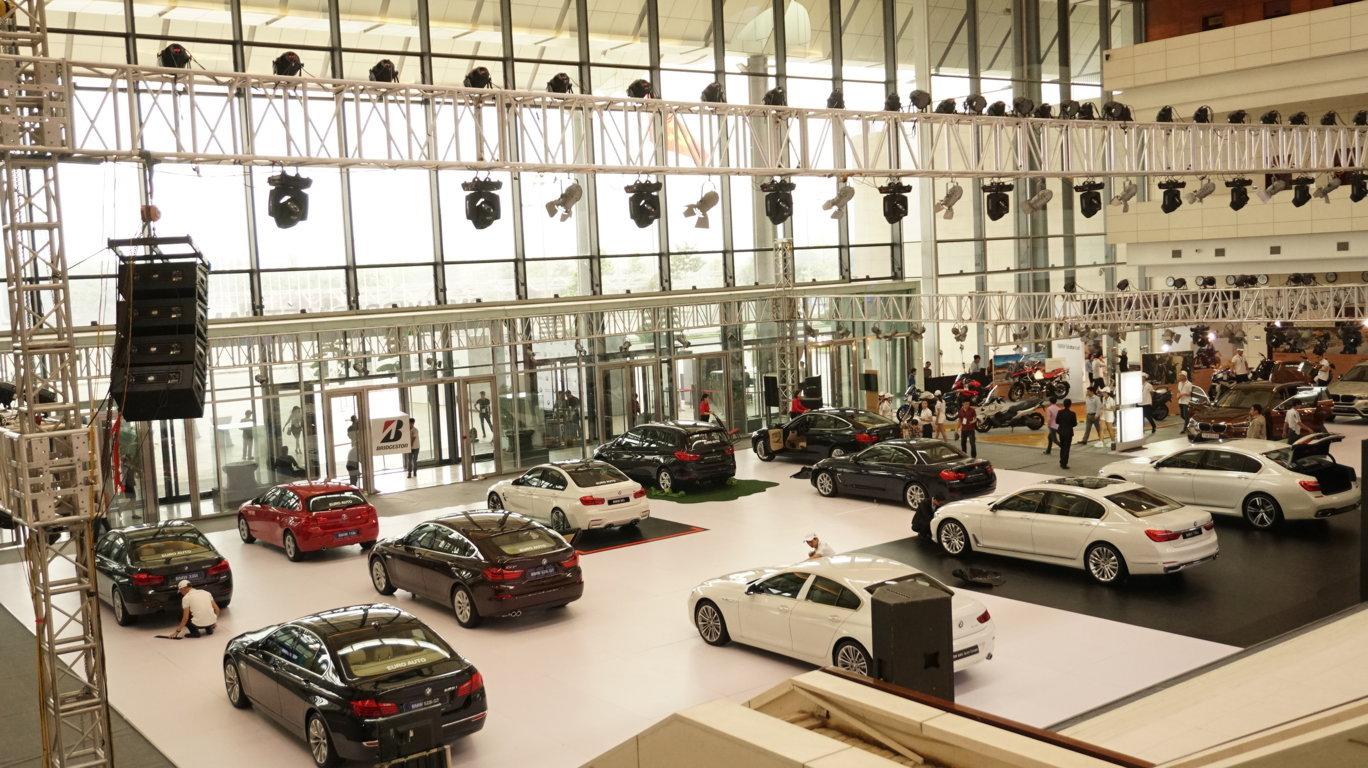 BMW World Vietnam 2016 là một sự kiện quy mô, hoành tráng của một hãng xe tại Việt Nam