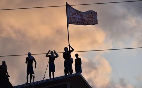 Μαίνεται ο πόλεμος των συμμοριών στις φυλακές της Βραζιλίας