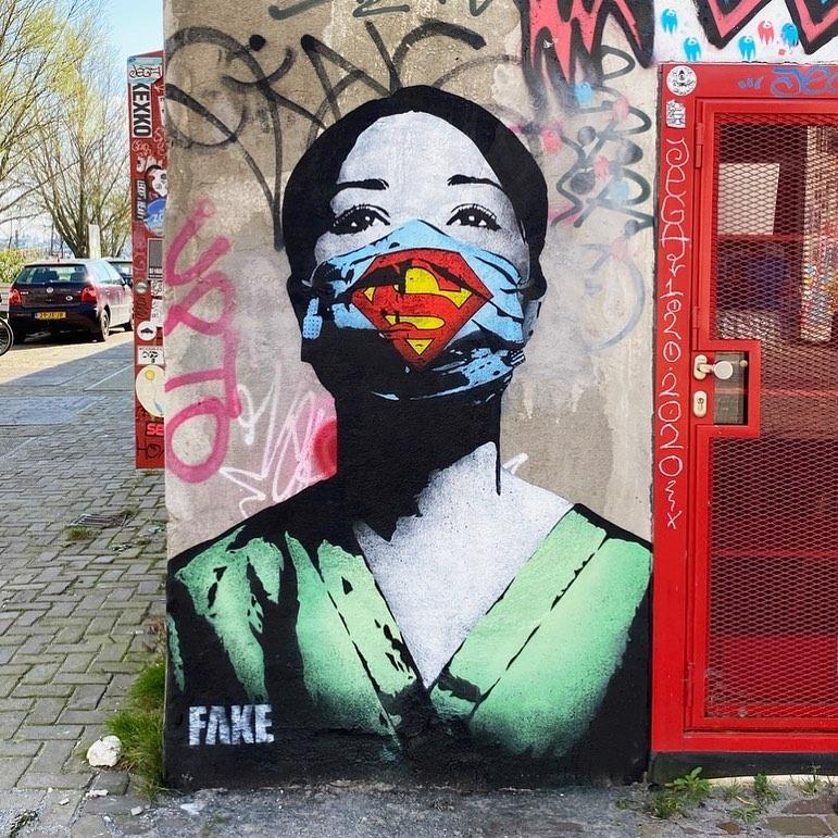 Super Nurse Mural Poster zum Ausdrucken und Aufhängen | Streetart des Tages