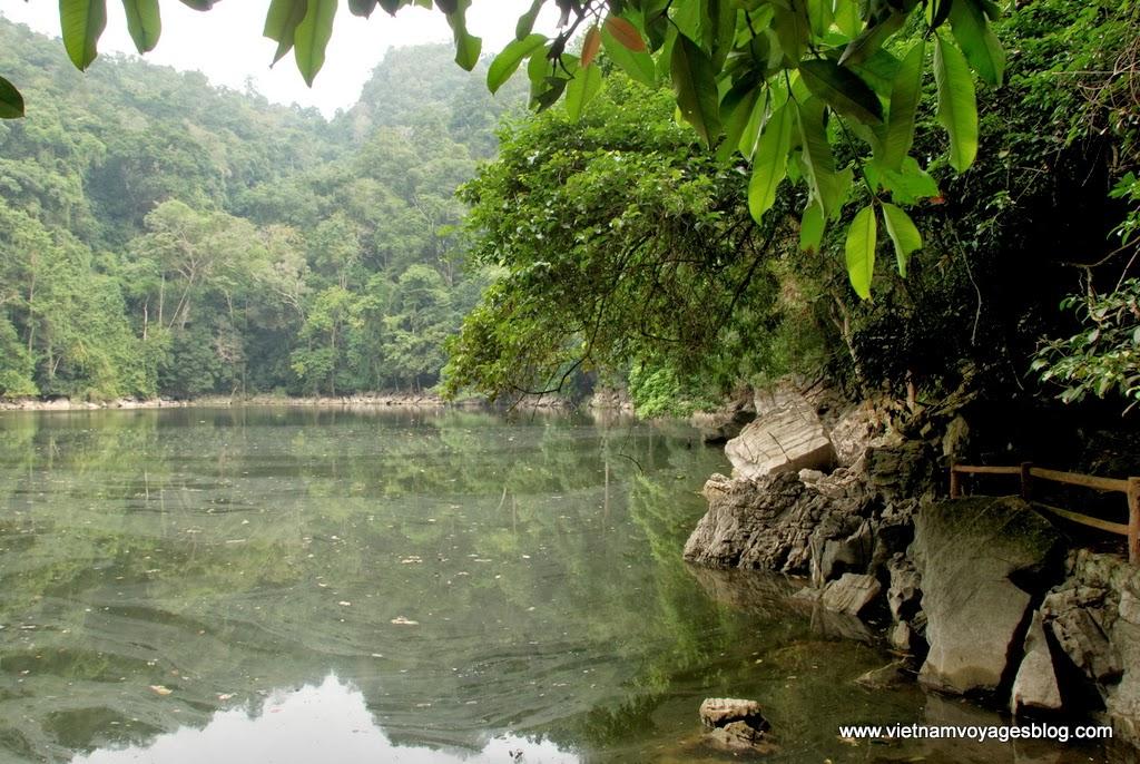Thăm Ao Tiên ở Hồ Ba Bể