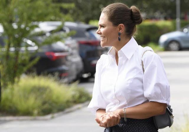 Crown Princess Victoria wore a dots pleat skirt from Baum Und Pferdgarten. Ebba Brahe duchess earrings