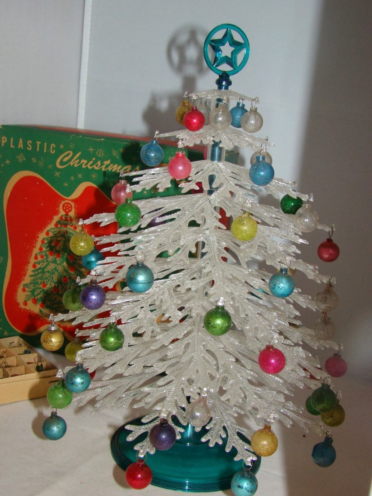gold country girls: Vintage Plastic Christmas Trees