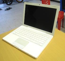 laptop bekas malang macbook white