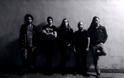 Descend Into Maelstrom da progetto a band!