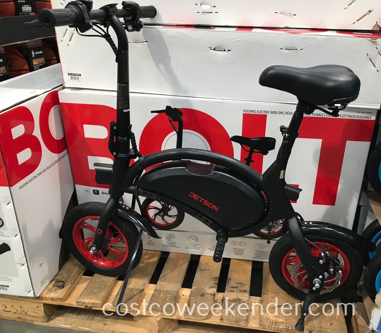 Easily commute to work or go around town with the Jetson Bolt Folding Electric Ride-On