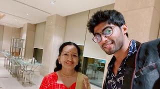 actor vijay mother photo