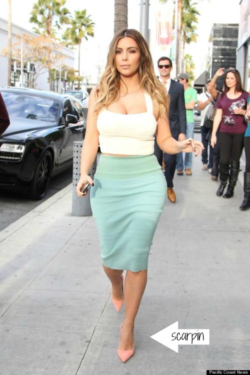 Kim Kardashian Saia Lapis