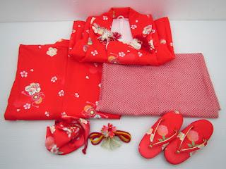 3歳女児の三つ身の衣装と小物類
