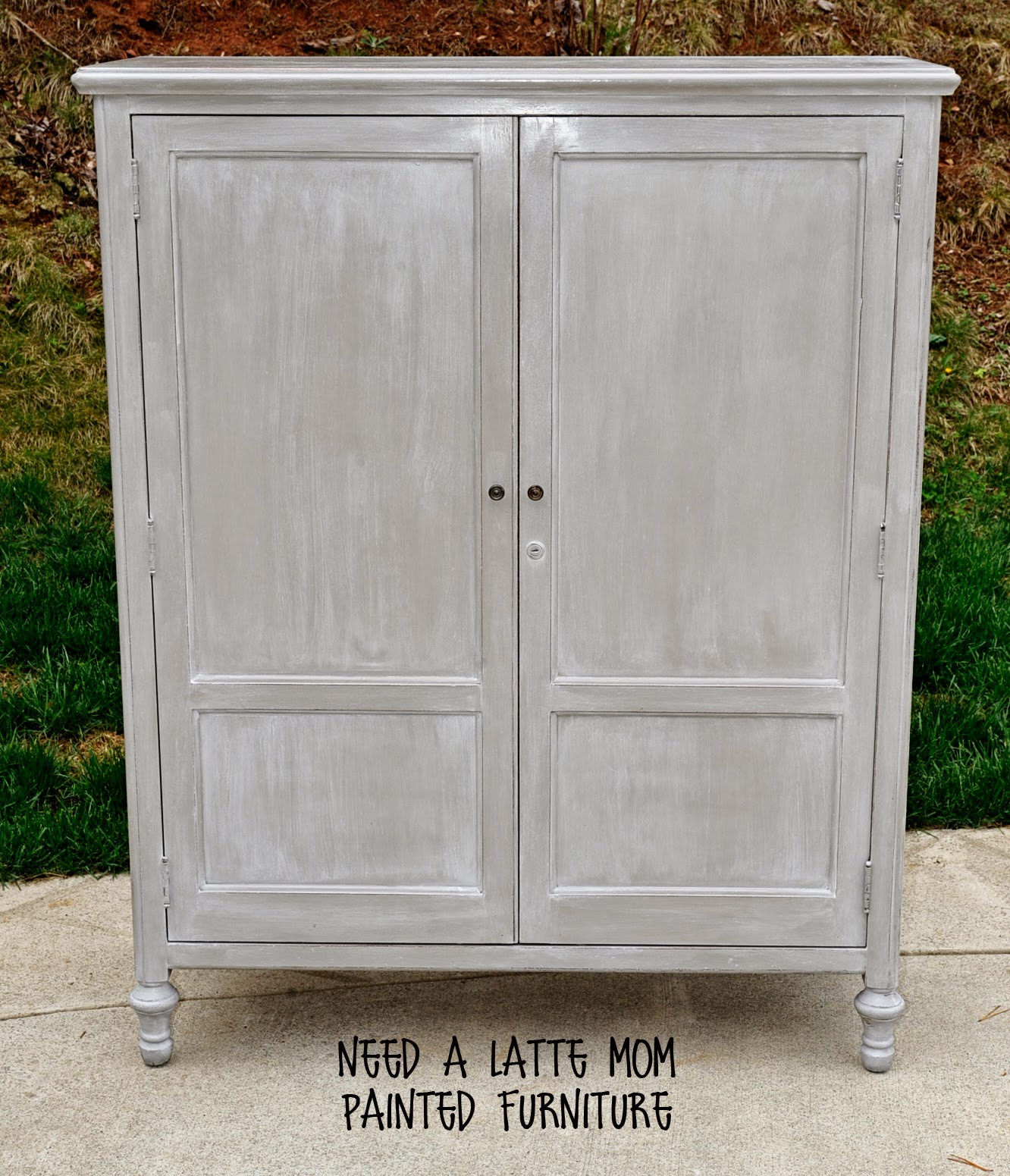 Need A Latte Mom: Annie Sloan French Linen Chalk Paint And Maison Blanche Lime Wax {Before And