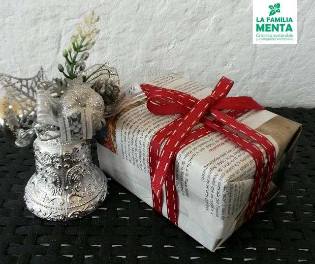 Una navidad (un poco más) sostenible III: Ideas para envolver regalos. Papel de diario