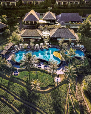 A Ritz-Carlton Reserve stays in lush tropical countryside and is soothing